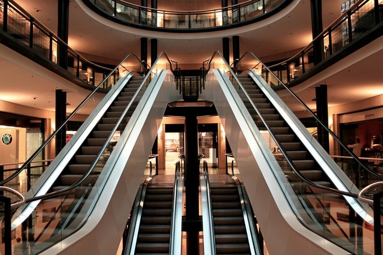 retail WMS - escalators